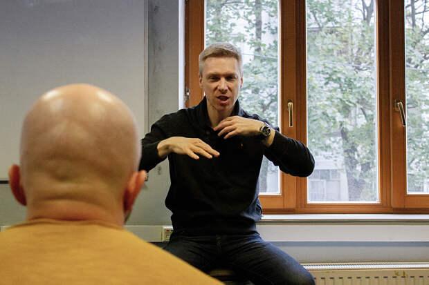 Кто и зачем ходит на «пикап» курсы в Москве