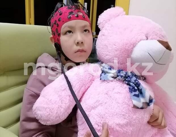 232 тысячи тенге должна заплатить многодетная семья из ЗКО за лечение больной дочери