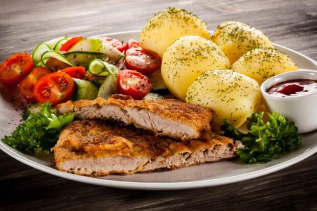 Что приготовить из свинины и свиного фарша: 5 аппетитных блюд, после которых наверняка захочется добавки