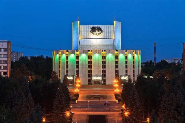Впечатляющие здания в стиле советского брутализма (ФОТО)