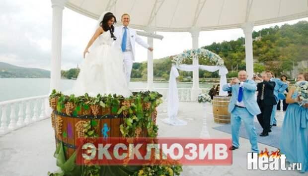 На чьи деньги шикуем? Как выглядят и чем занимаются гламурные жены, которых содержат богатые российские политики