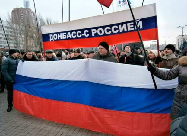 «Мы готовы уехать с вокзалом», — житель Славянска «уничтожил» украинского пропагандиста (ВИДЕО)