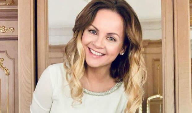 Проскурякова рассказала о начале отношений с Николаевым на 15-летие со дня знакомства