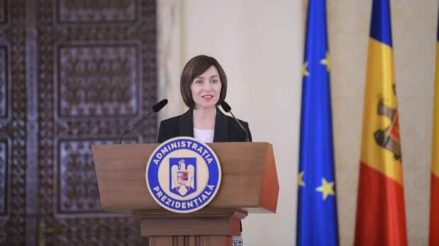Майя Санду насильно делает из своей страны Румынию