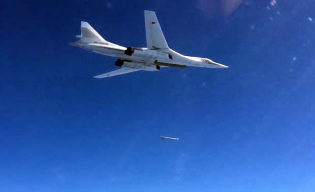 Стратегические ракетоносцы ВКС РФ отработали ядерный удар по северным базам ВВС США