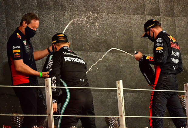 В Red Bull Racing прокомментировали слухи об увольнении Боттаса из Mercedes