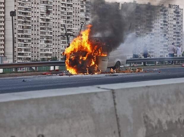 В МВД выяснили, кто поджигает автомобили