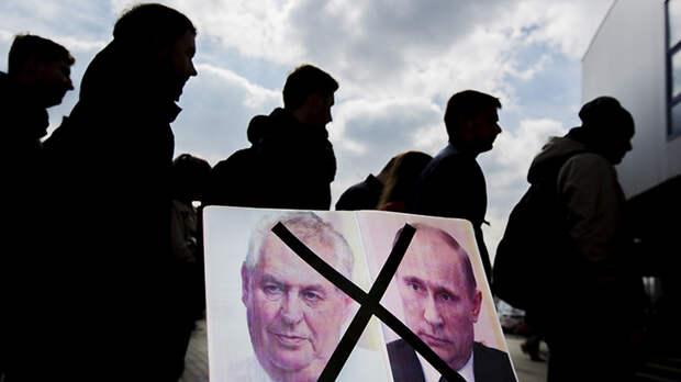 Если выслать из Москвы в Чехию 18 дипломатов, посольство придётся закрыть