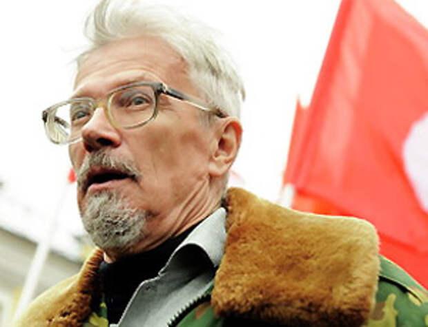 Лимонов призвал раскулачить и выгнать из России сверхбогачей
