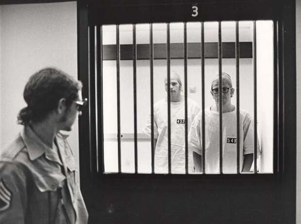 Стэнфордский тюремный эксперимент: как американцы холокост пытались объяснить