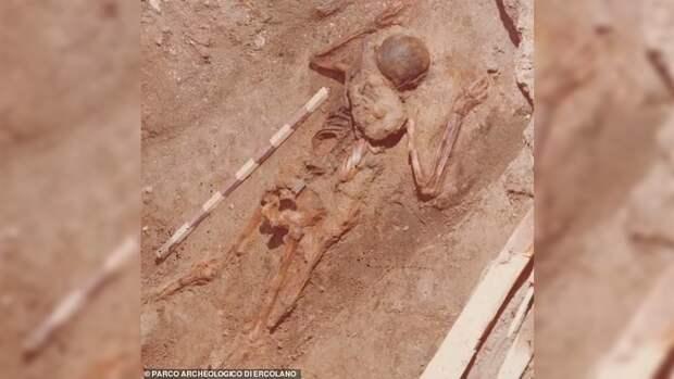 Археологи рассказали о подвиге римского солдата при извержении Везувия
