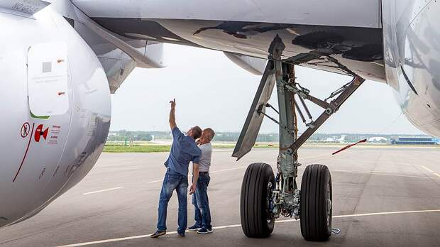 Из-за запрета США на поставки композитов в Россию ОАК придется научиться самой делать «черные крылья» для МС-21