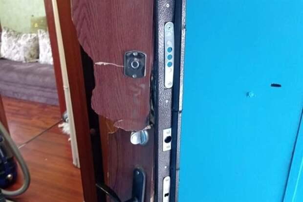 Сотрудники ОМОНа по ошибке ворвались в квартиру в алтайском городе Заринске