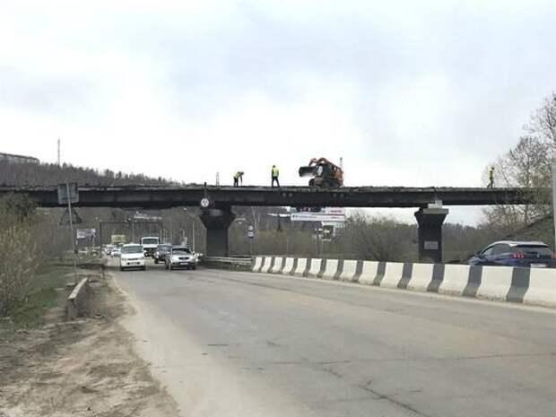 Движение транспорта под путепроводом на Качугском тракте ограничат с 19 по 27 мая