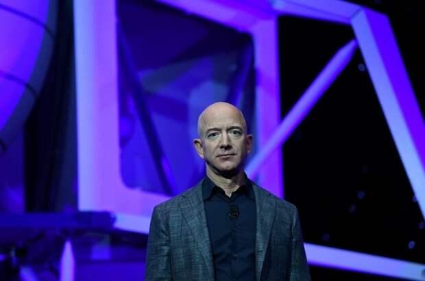 Место на полет в космос с основателем Amazon продали за $28 млн