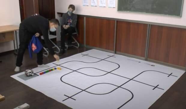 Школьники изНижнего Тагила одержали победу намосковской олимпиаде поробототехнике
