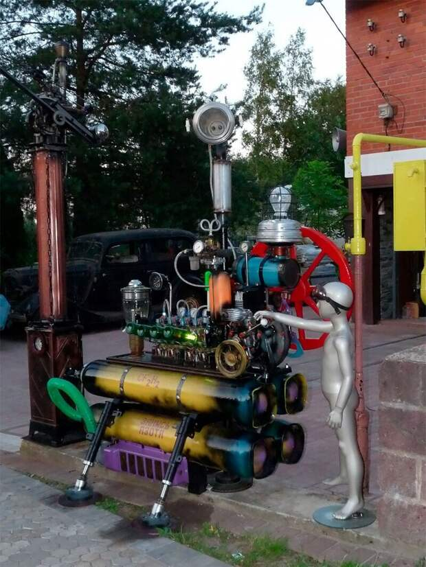 Волшебный дом в Сергиево: дача на колесах и музей стимпанка