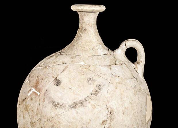 Археологи нашли самый древний смайлик в мире