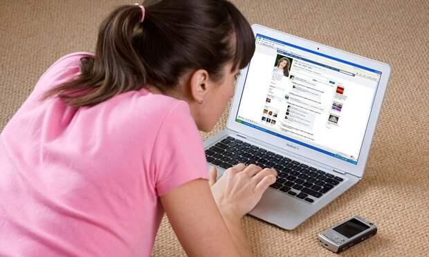 Большинство родителей в России считают соцсети главной проблемой в воспитании детей