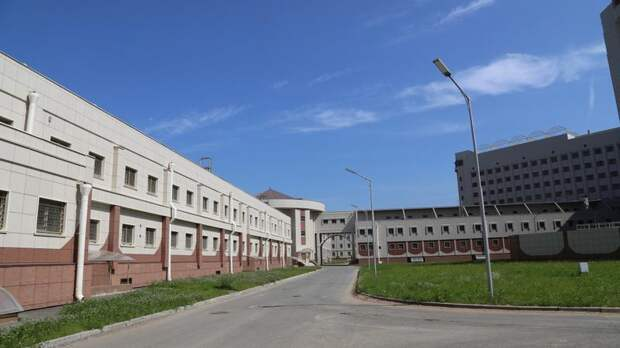 В Петербурге троих человек осудили за пытки и вымогательства в «Крестах»
