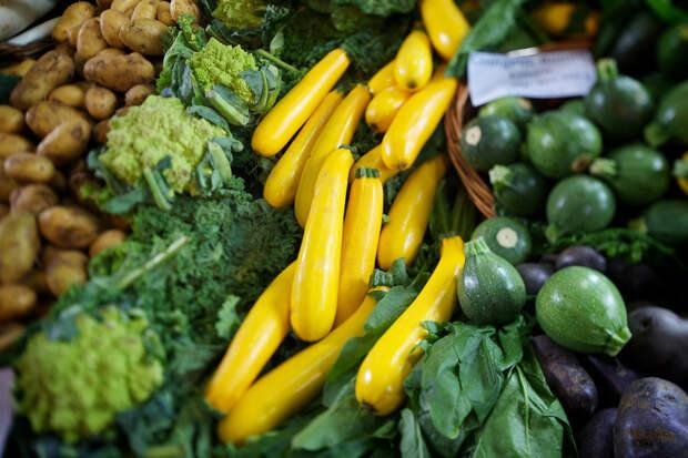 Впечатляет огромное разнообразие свежих овощей, фруктов, зелени. (Aurelien Guichard)
