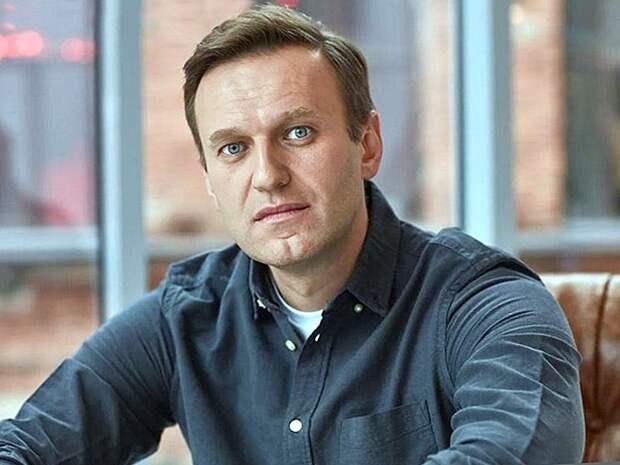 Навальный рассказал свою версию случившегося с ним