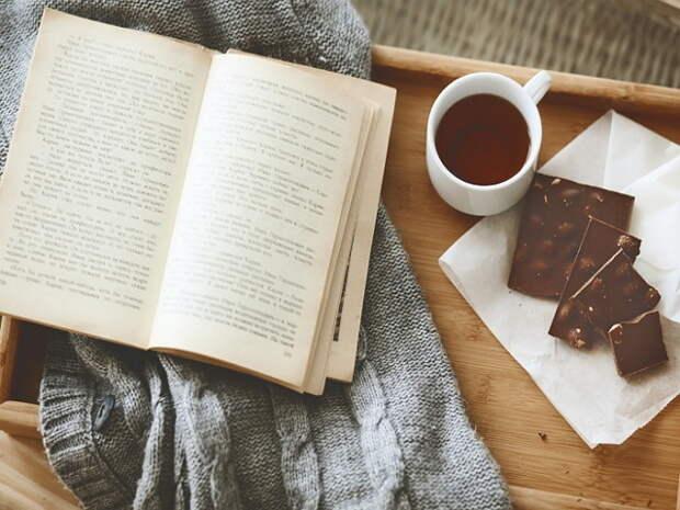 10 книг, где сюжет закручен настолько, что вы не уснете