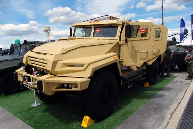 Воин дорог: Россия представила уникальный бронеавтомобиль «ВПК-Урал»