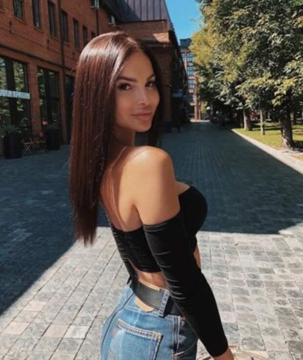 Горячие фотографии Карины Зверевой