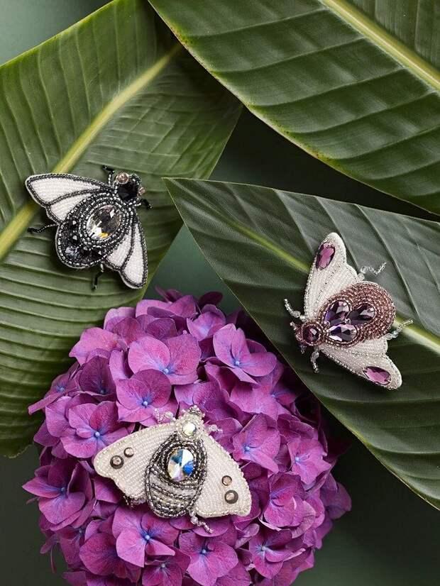 Бабочка-мотылёк: брошь из бисера и пайеток своими руками
