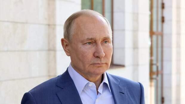 Путин поручил усилить меры безопасности в Петербурге в связи с Евро-2020