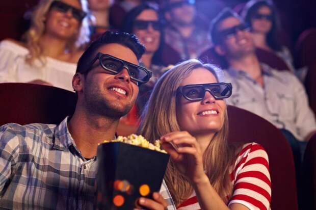 С кем сходить в кино: друзья, знакомые, как пригласить парня, выбор фильма и приятное времяпрепровождение