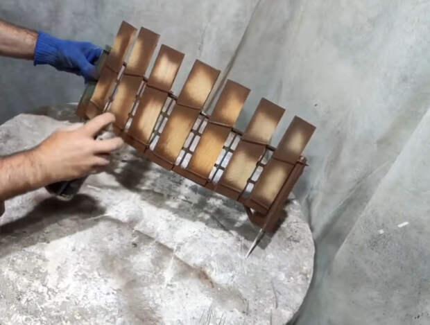 Полезная идея для дачи из сломанных ящиков