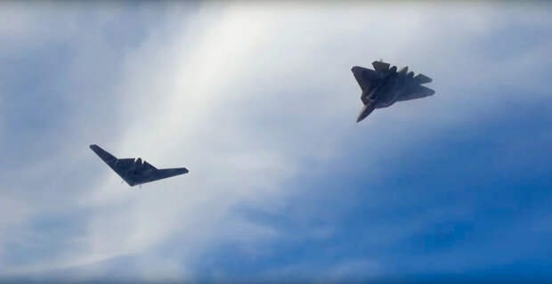 Истребители Су-57 решили применять совместно с БПЛА «Охотник»