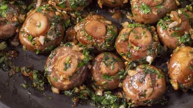 Шампиньоны в чесночном соусе. Немецкая закуска с грибами, обжаренными до румяной корочки 2