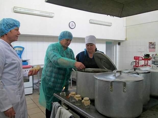 В Вологде отравились около 90 курсантов института ФСИН