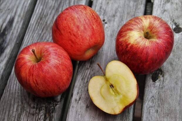 В храме в Новоподмосковном переулке состоится освящение яблок