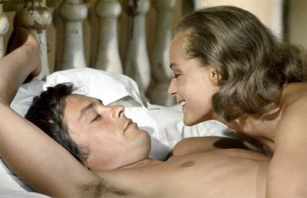 Именно Ален Делон убедил продюсеров пригласить на главную роль в фильм «Бассейн» Роми Шнайдер