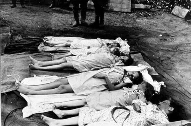 22. Когда поражение Германии во Второй мировой войне стало очевидным, министр нацистской пропаганды Геббельс покончил жизнь самоубийством, перед этим убив своих шестерых детей и жену