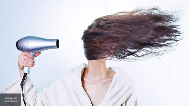 Российские ученые выяснили, как рак влияет на волосы