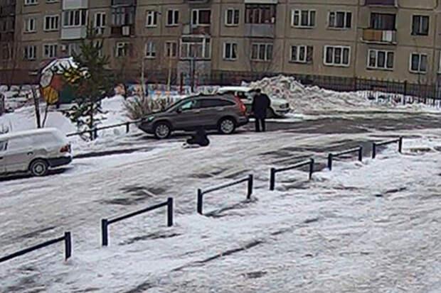 Жительница Новосибирска отсудила уТСЖ полмиллиона засломанную лодыжку