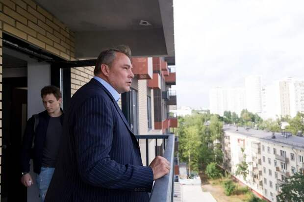 Петр Толстой проверил реновационную новостройку в Кузьминках