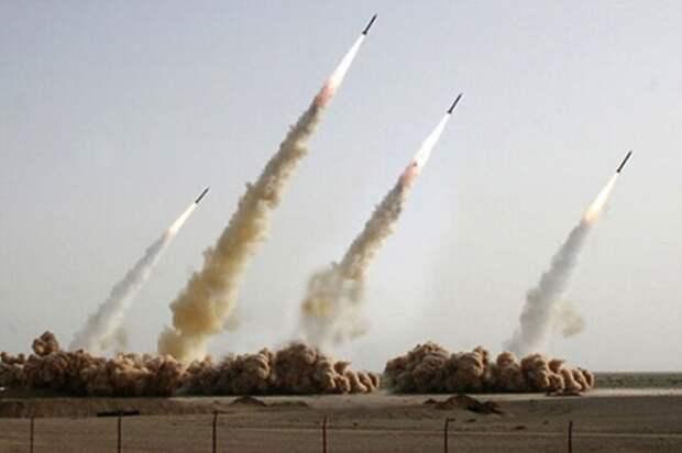 В 2008 году Иран опубликовал снимок, подтверждающий успешный ракетный пуск – но, судя по всему, что-то пошло не так, одна из ракет не запустилась, и её пришлось скопировать посредством «Фотошопа» (обратите внимание на две крайние ракеты справа).