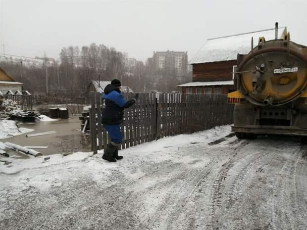 Коммунальщики устранили подтопление в Советском районе Томска