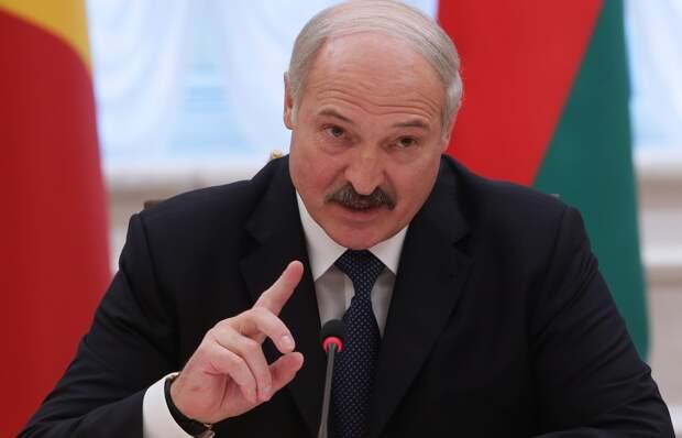 У Лукашенко есть чем ответить «вякающей из-под забора» Прибалтике