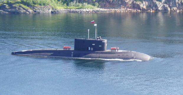 Китайская подводная лодка изнутри: смотрим фото и видео