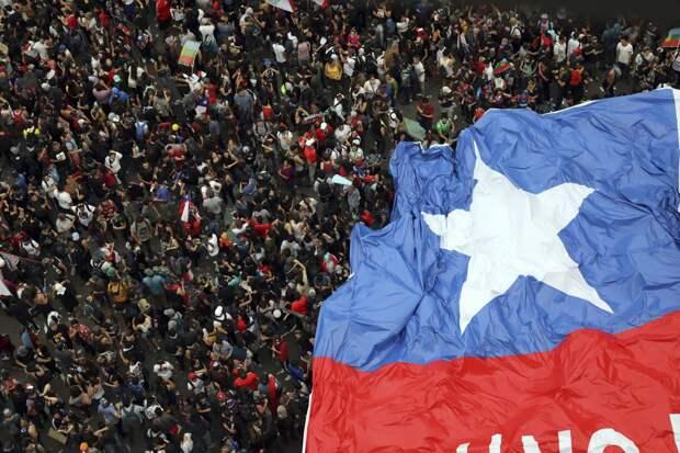 Повторить историю. Чем вызвана волна протестов в Латинской Америке