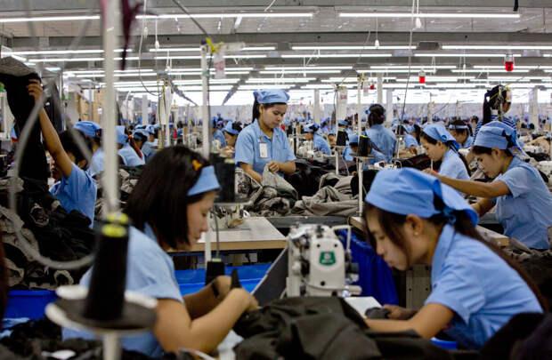 Дешёвый труд - цех пошива одежды в Мьянме