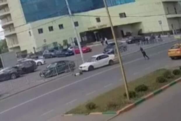 На Дмитровском автомобиль сбил двух детей