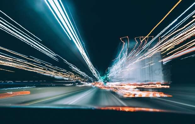 Американские физики разогнали световой пучок выше скорости света